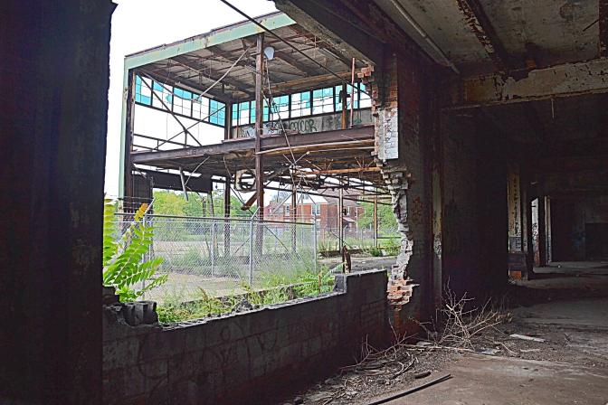 Detroit Decline – An Architectural Photo Tour