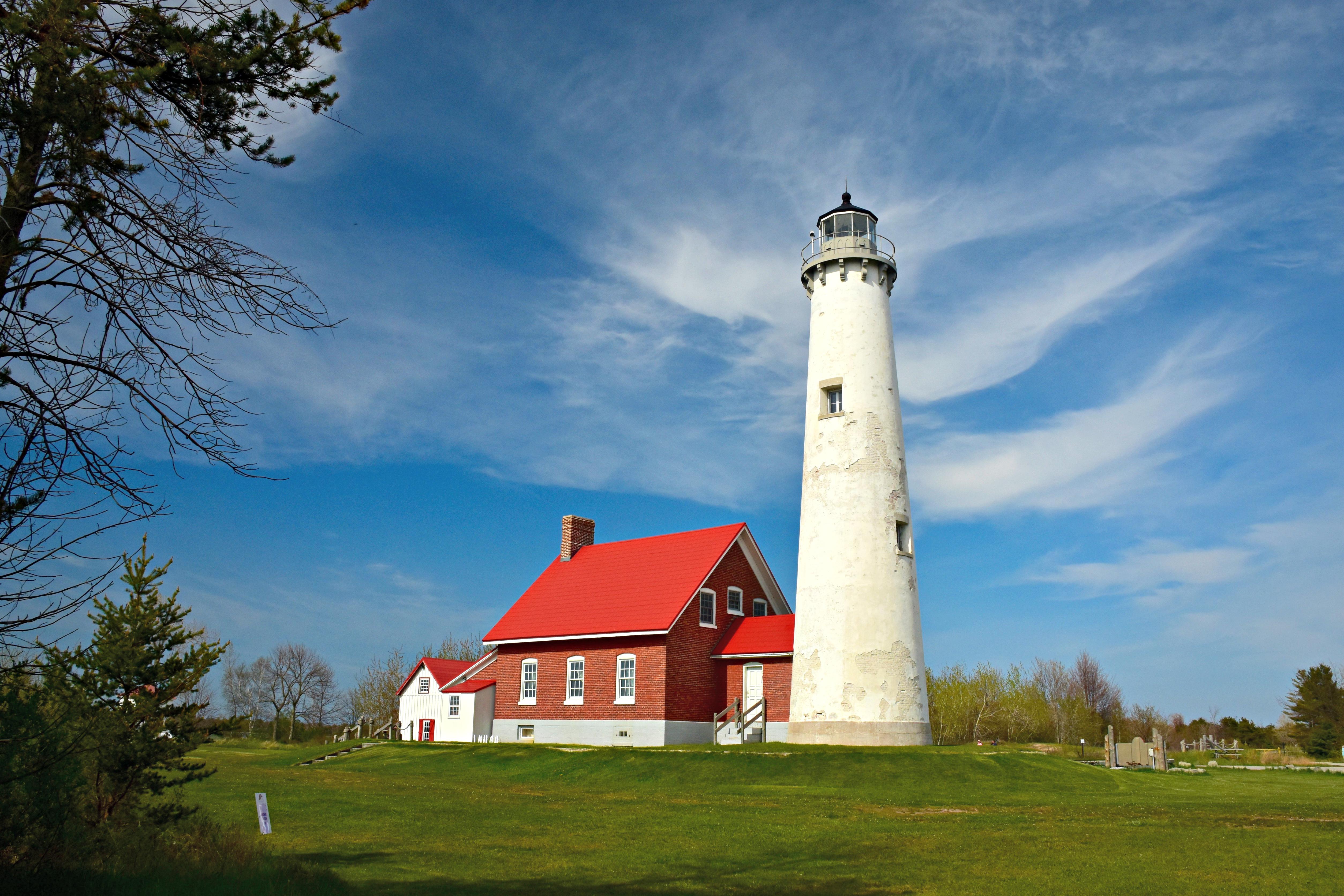 Tapas Point lighthouse fair skies