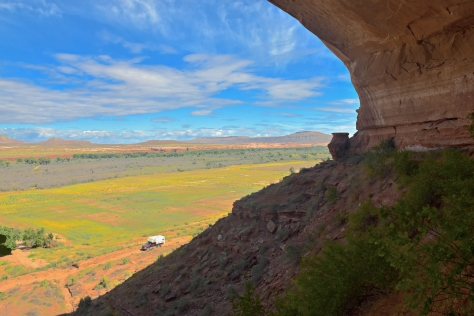 This ruin commands a splendid view of the San Juan river valley. Yes, that's my pickup below.