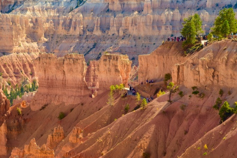 Sunset Point is perched on the brink above Navajo Trail.