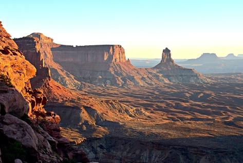 canyonlands-false-kiva-view-hdr