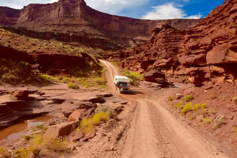 The road traverses gullies and gorges on its way to the White Rim.