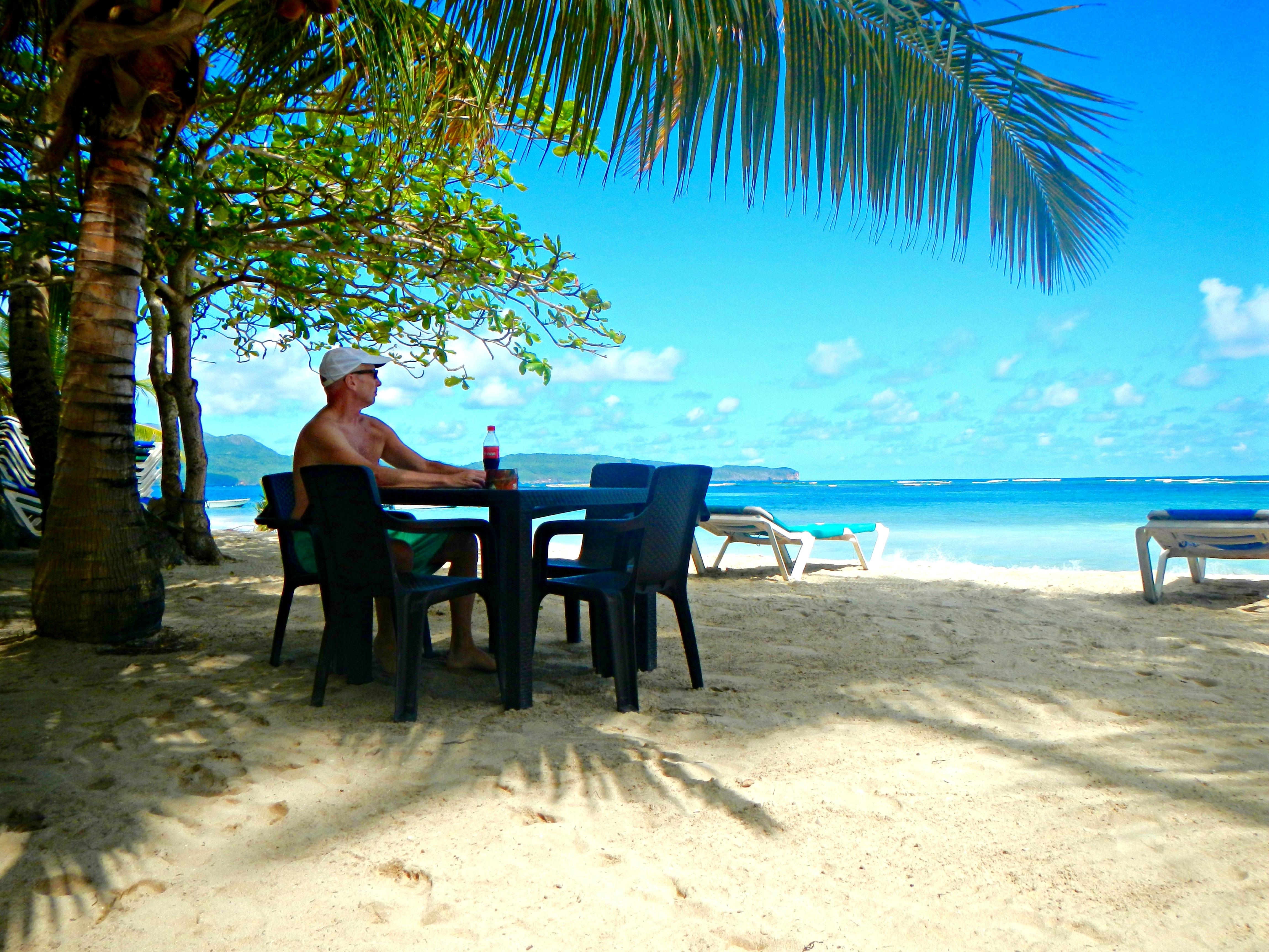 Las Galeras bob table beach
